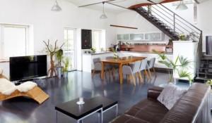 Mittelpunkt des Familienlebens: Küche und Wohnraum